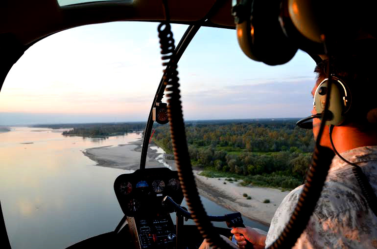 Viewing helicopter flight in Warsaw