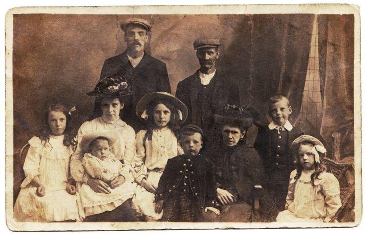 Family_portrait_genealogy_tour_Poland