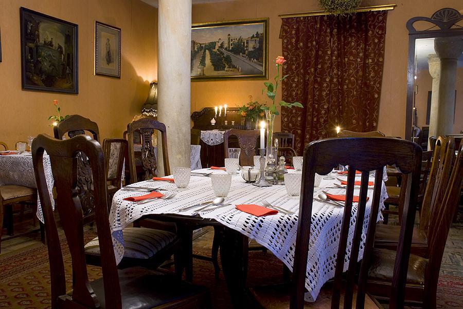 Dinner with klezmer music in a Jewish restaurant