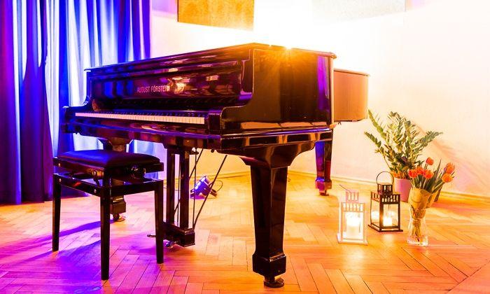 Frederic Chopin piano concert in Krakowskie Przemiescie street