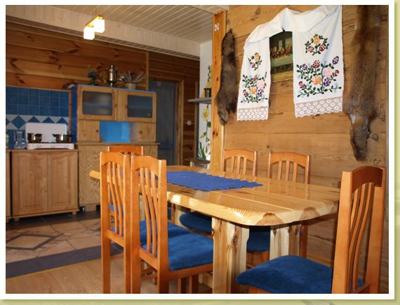 Local rustic-style guesthouse in Bialowieza