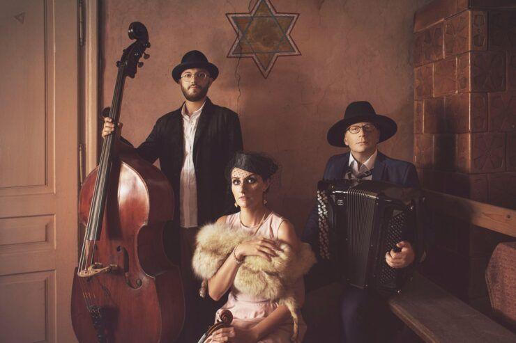 Klezmorim Trio